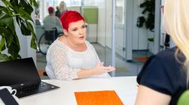 Jak wdrożyć do zespołu niepełnosprawnego pracownika?